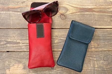 Soft eyeglass case with velcro